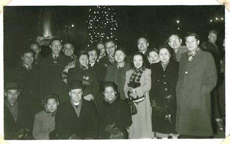 Christmas Eve, 1950 at Trafalgar Square.